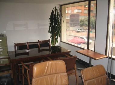 19-330 Oficina Arriendo (4-2)